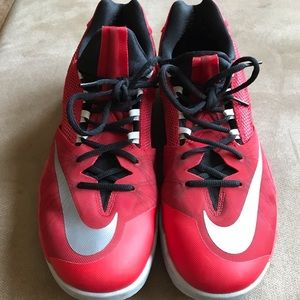 Men's Nike Zoom Low Basketball shoes size 14 EUC!!